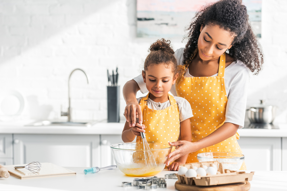Are you ready to take your income into your own hand? Here are five profitable and unique small business ideas for single moms to spark your creativity.